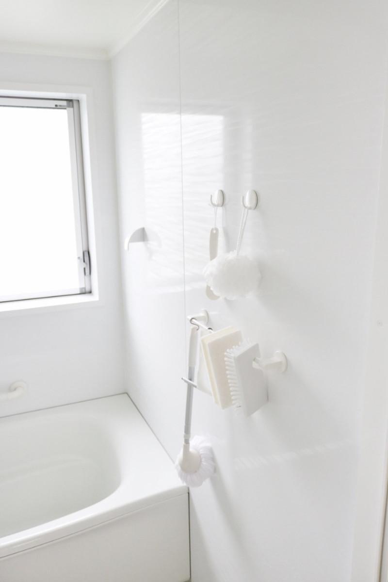 お風呂の 大掃除が不要 になる プロが認めた洗剤がすごい 大掃除 浴室 鏡 掃除 風呂