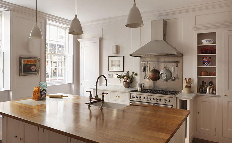 Downton Abbey And A Bit Of British Design Country Kitchen Backsplash Plain English Kitchen Bespoke Kitchen Cabinets