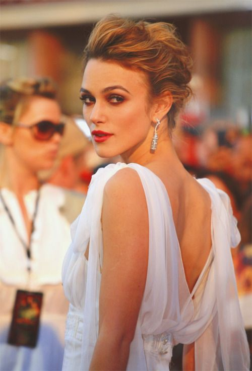 I think Kiera Knightley is stunning always, but the chiffon with the romatnic swept up hair and flawless makeup is one of my favorite looks for her