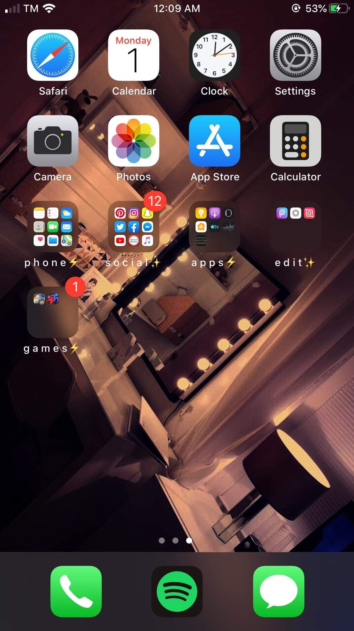 Pin By Maram On Iphone App Layout Iphone Organization Iphone Home Screen Layout Homescreen Iphone