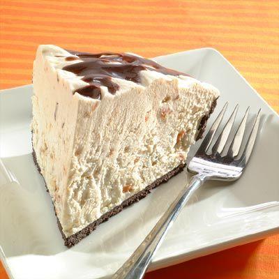 Easy Peanut Butterfinger Cream Pie.  Recipe: http://www.verybestbaking.com/recipes/32421/Peanut-Butterfinger-Cream-Pie/detail.aspx
