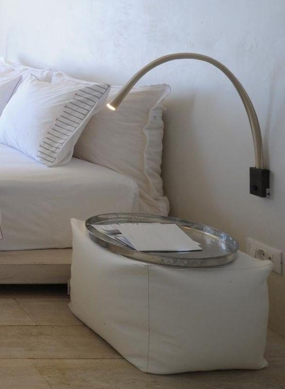 Pin di contardi lighting su setting wall lights lighting e bedside lighting - Lampade da lettura a letto ...