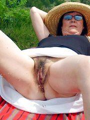 Mature pussy open Amateur held