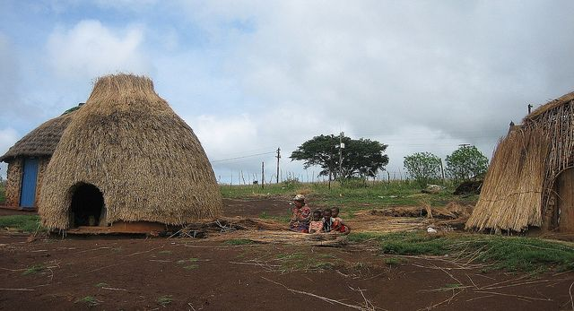 african hut | Zulu Village with Beehive Hut, Zululand, KwaZulu-Natal, South Africa ...