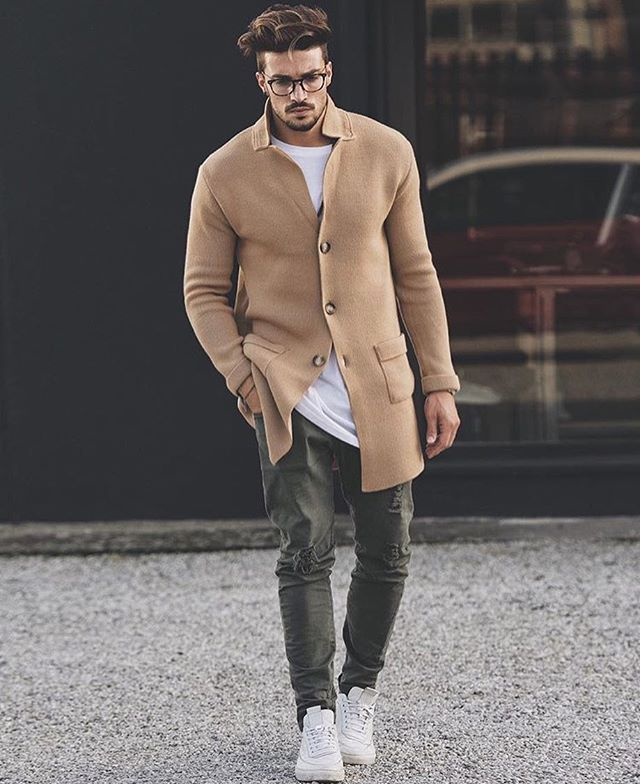 WEBSTA @ menswithstyles - Look by @marianodivaio ✔️⚪️ like it ?  ! - Tag #mwstyles in your picture for a chance to be featured ! ❕-#stylish #streetfashion#fashionista #suitup #inspiration #ootd#bespoke #dotd #fashionblogger#instawatch  #mensfashion #menstyle#mensstyle #dapper  #gentleman#watchoftheday #fashiondiary #sartorial#menaccessories #casual #suitandtie#menswear #swag #outfitoftheday #de#pocketsquares quarek