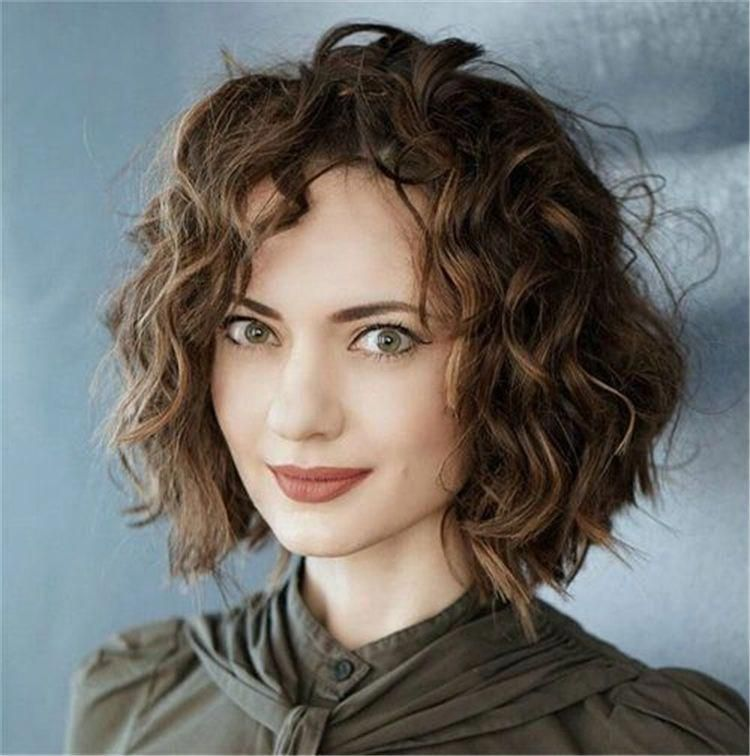 Chin Length Curly Bob Short Curly Thick Hair Short Curly Hairstyles Shorthair Curlyhair Wavy Bob Hairstyles Curly Hair Styles Naturally Bob Haircut Curly