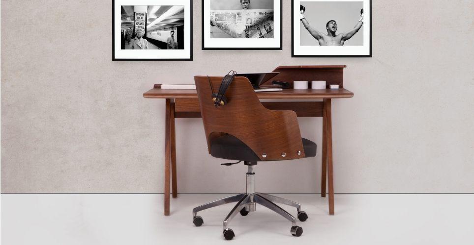 Cornell un fauteuil de bureau pivotant noir et noyer rentrée