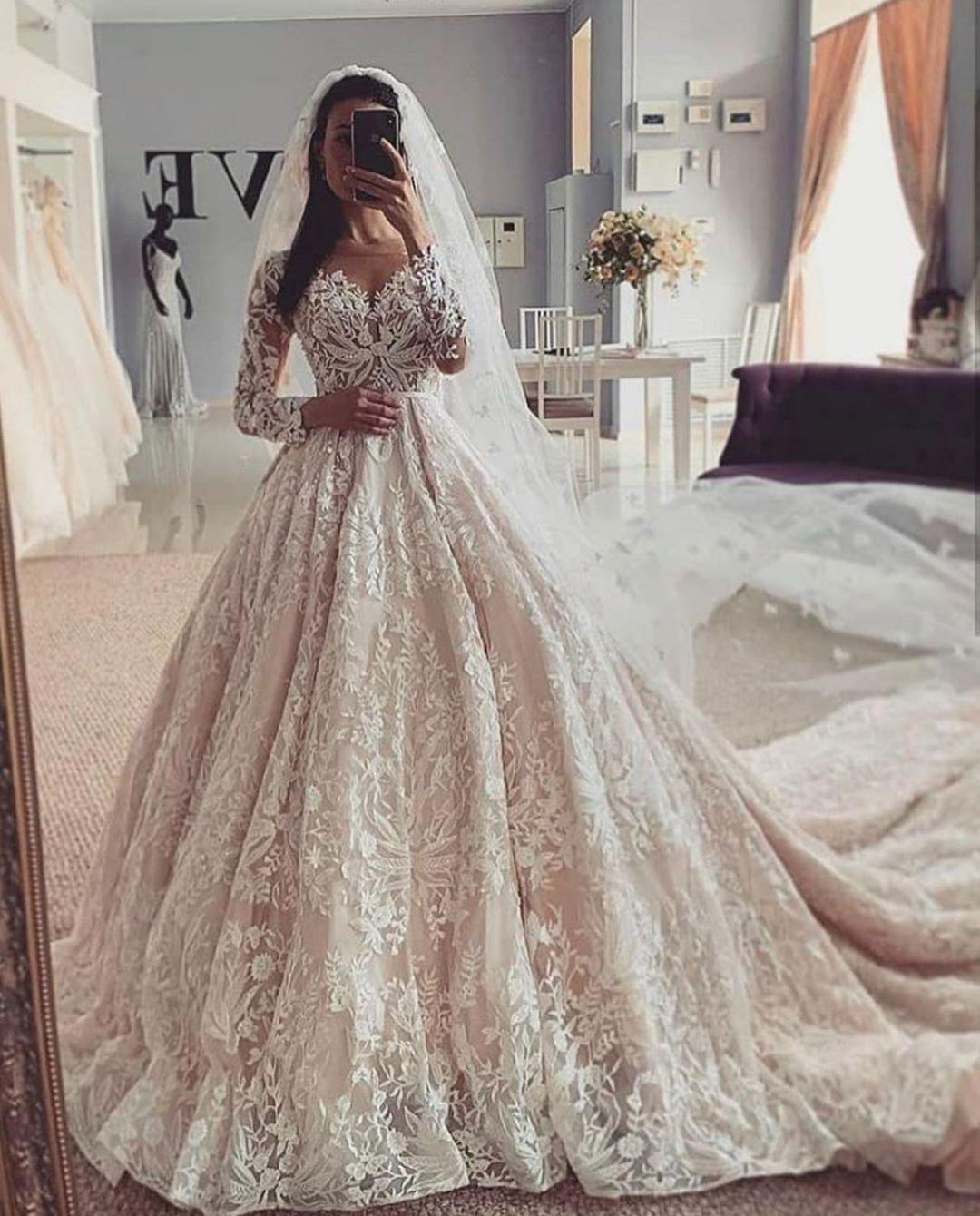 Laquelle préférez-vous ? 👰🏻 ⠀ ⠀ ⠀ #wedding