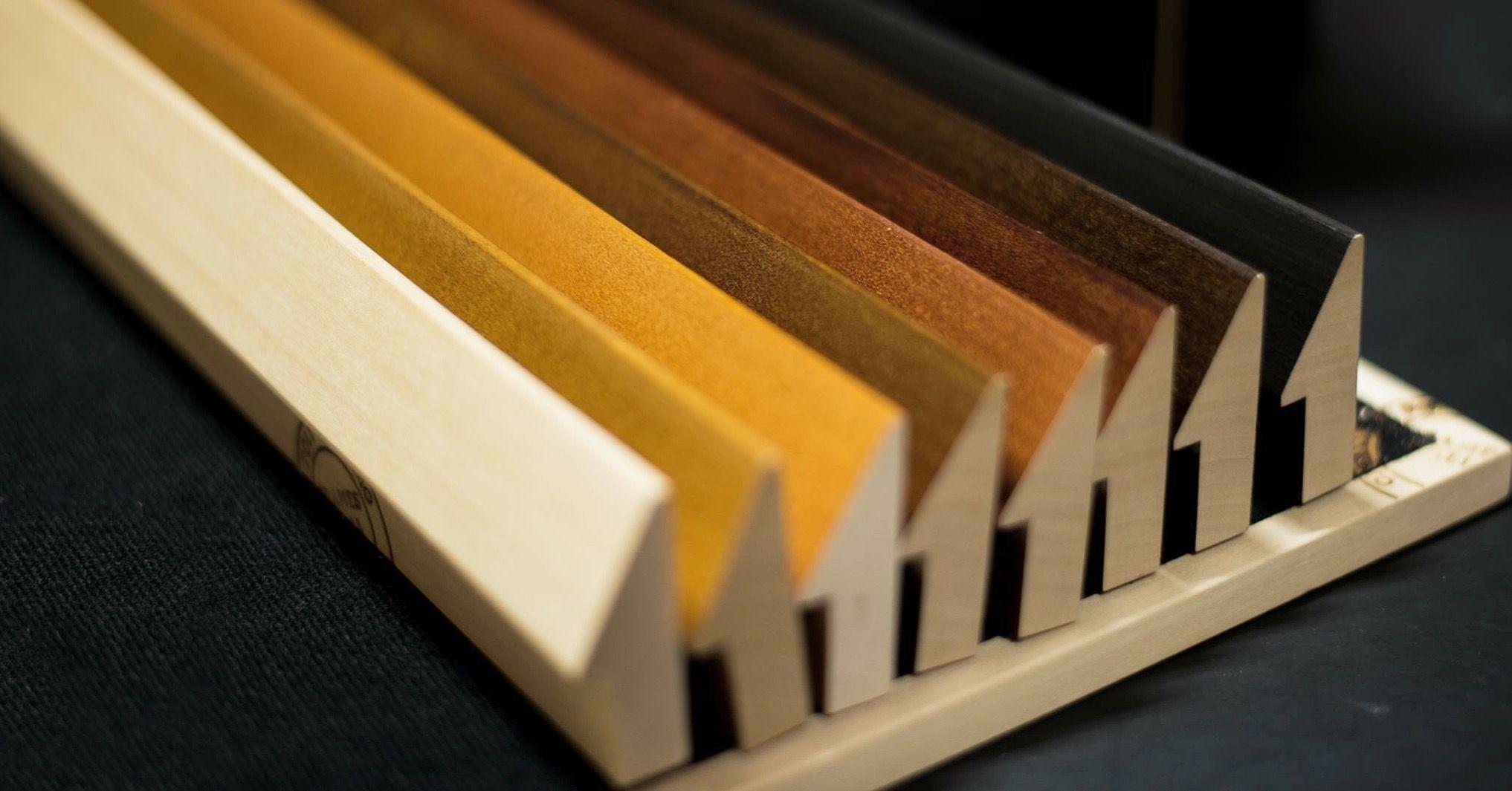 I colori caldi del legno. wood retus aste