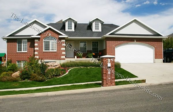 Two Level Terraced Front Yard Landscape What They Should Have Done To This House