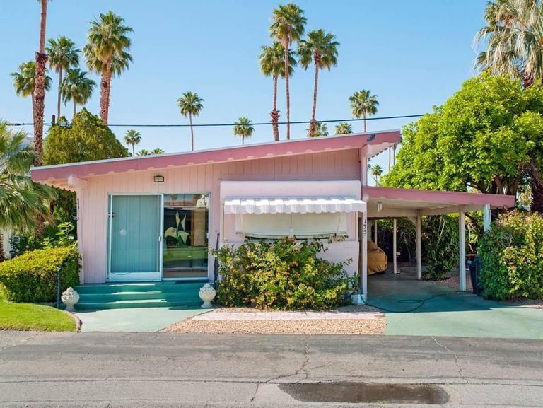 Jeffrey Milstein Palm Springs 43 Pink Sahara Mobile Home Park 1stdibs Com Mid Century House Palm Springs Houses Vintage House