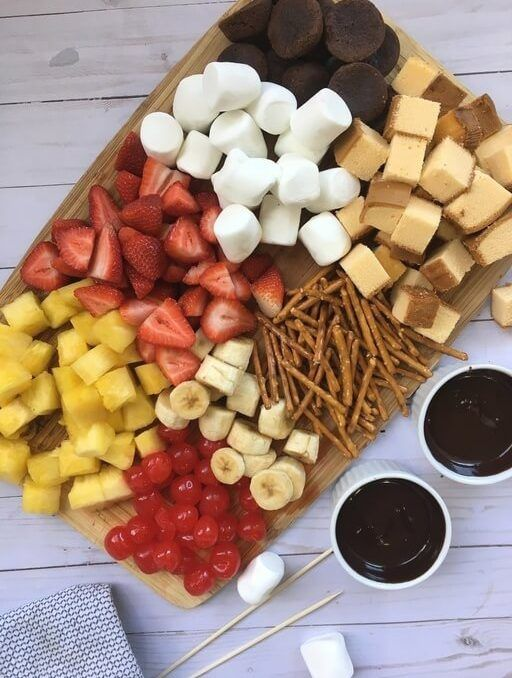 Homemade Chocolate Fondue Recipe - A Stay at Home Date Idea! #chocolatefonduerecipes