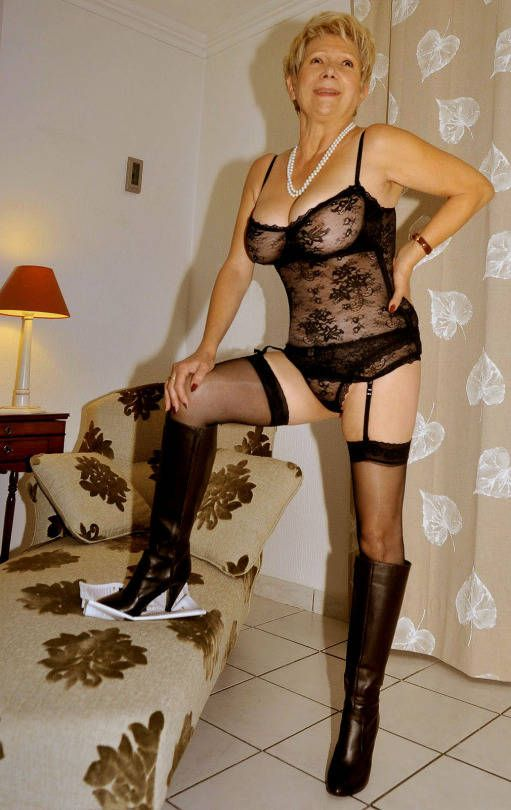 old granny sexy look in very night