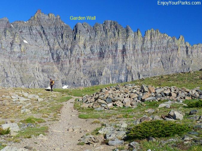 Garden Wall On Piegan Pass Glacier Park Glacier National Park In