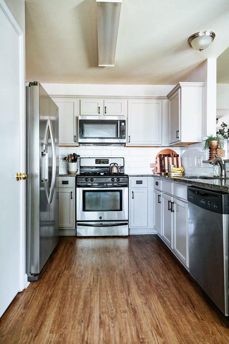 How to totally transform your kitchen cabinets WITHOUT ...