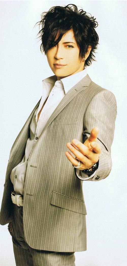 Ranking Of Male Celebrities Who Have The Ideal Height Body Build Gackt アーティスト 写真 ポーズ ガクト