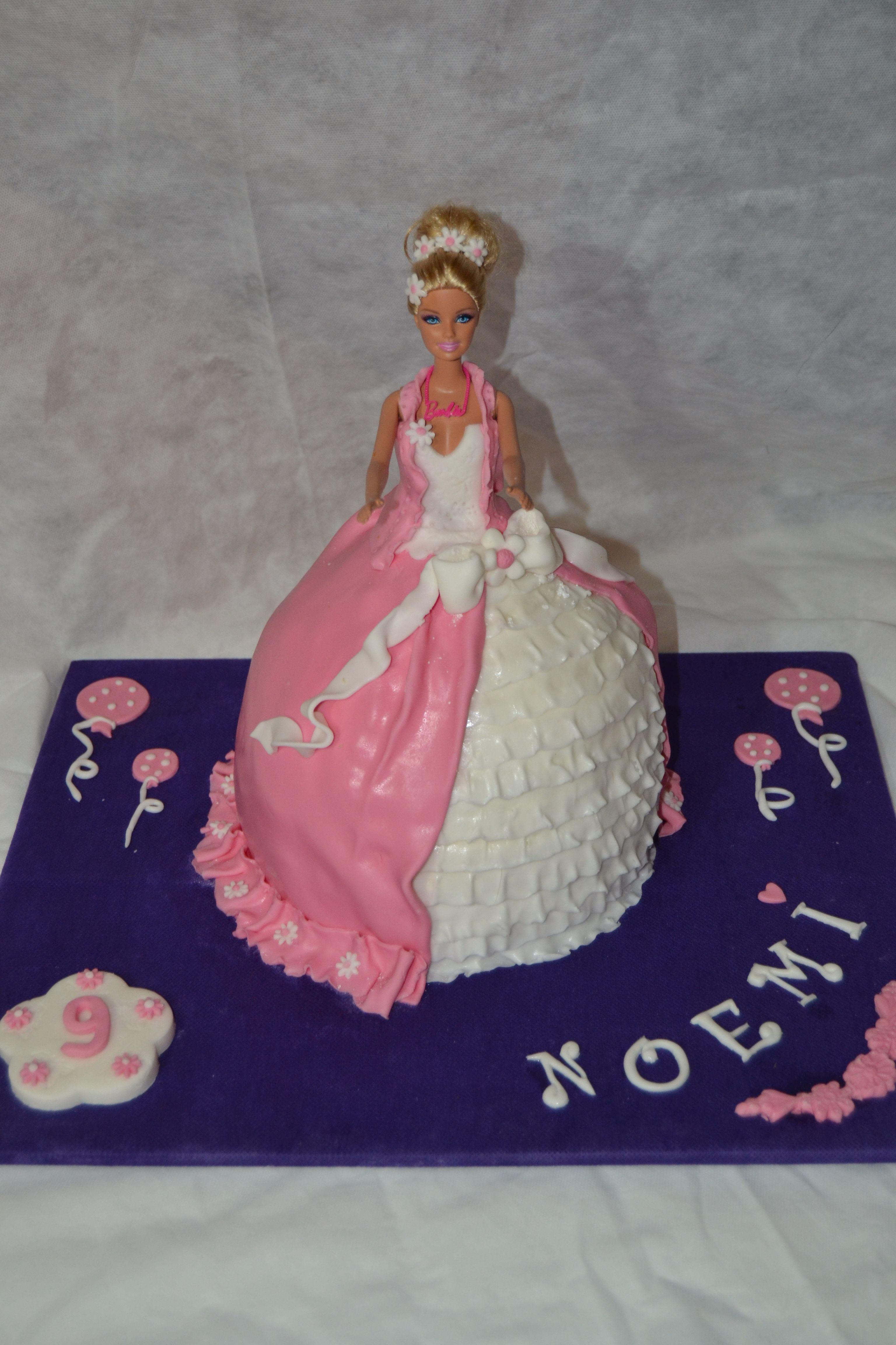 Torta Compleanno Noemi.Barbie Per I 9 Anni Di Noemi Barbie Torte