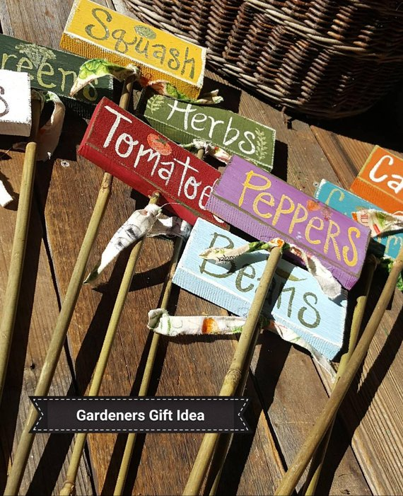 Pin By Mary Temple On Nil In Kucuk Evi In 2020 Garden Labels Garden Signs Diy Garden Markers