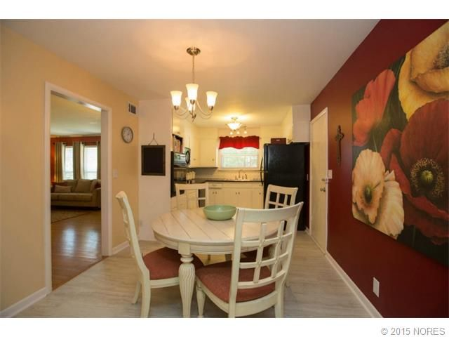 House - For sale - 9Rooms - 3Bedrooms - 1Bathroom - Price $131,900 - 1