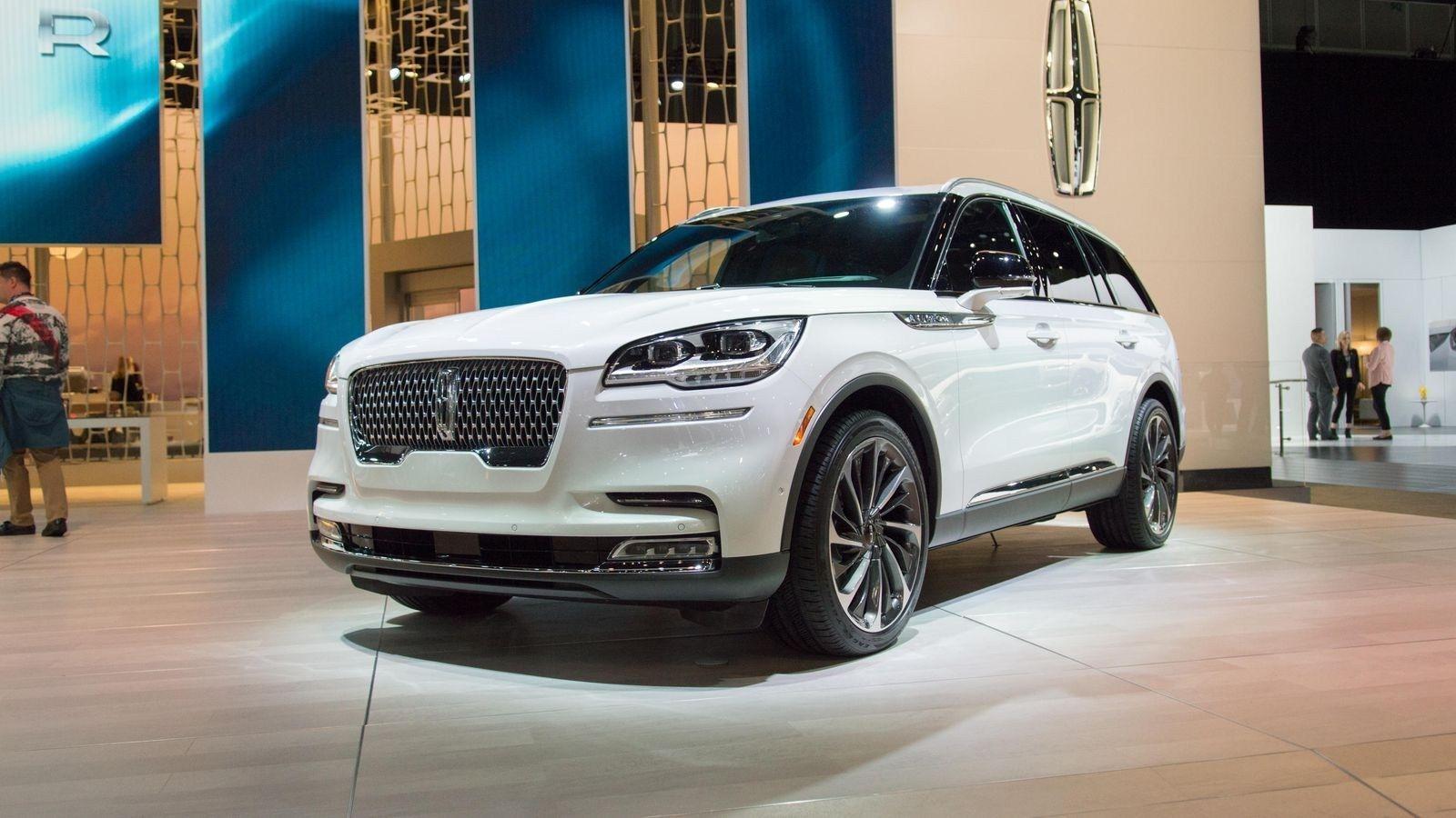 2020 Lincoln Aviator Vs Volvo Xc90 Features Lincoln