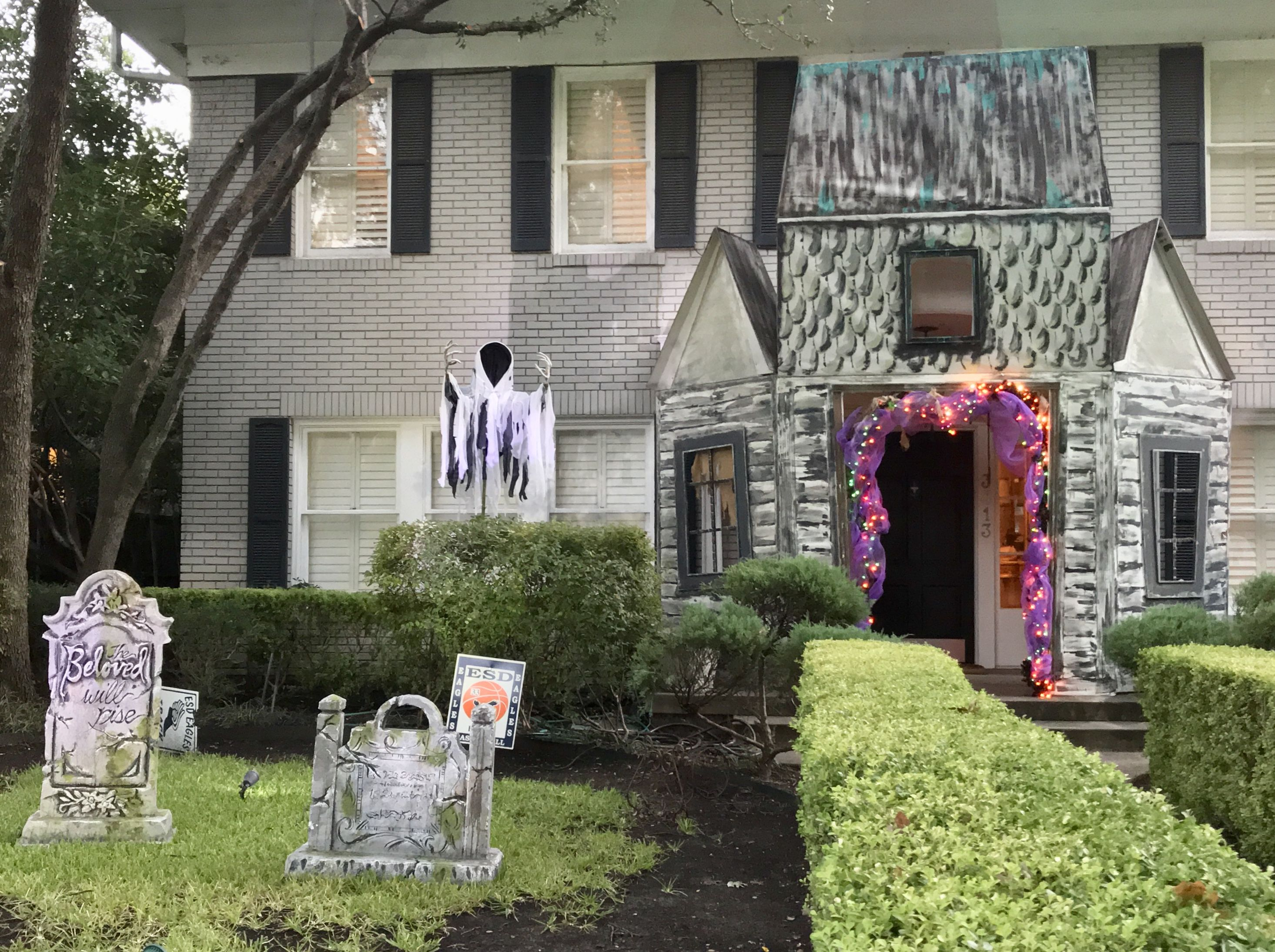 Ghost with no candle Haunted house facade and tombstones I made in - halloween houses decorated