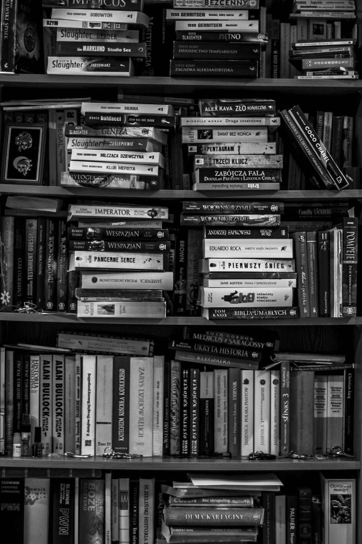 Bookshelf White Aesthetic Photography Black Aesthetic Wallpaper Black And White Aesthetic