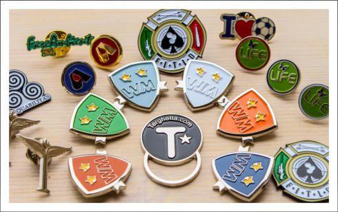 http://www.spille-spillette.com davvero le pins, i distintivi, le spille e le spillette più belle che abbia mai visto sul web!