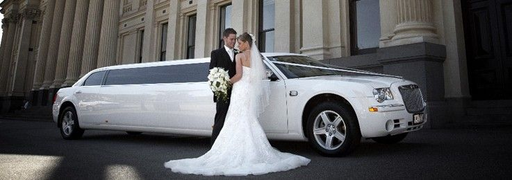 Make Your Wedding More Memorable With Luxury Limousine Car Rental Service In Atlanta Wedding Car Rental Servic Wedding Limo Wedding Limo Service Limousine