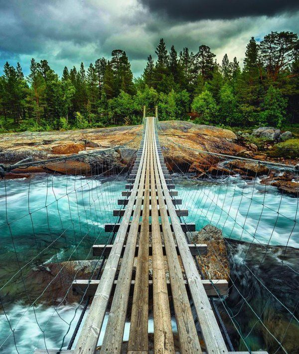 BestEarthPix: This bridge in the heart of Norway is stunning. Captured by the beautifuldestinations team! https://t.co/K5JrW7vRMt  #OurCam #Photography