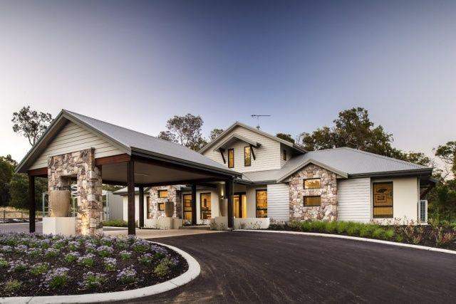 modernes haus satteldach einfahrt vorgarten steinsaulen haus pinterest haus moderne villa. Black Bedroom Furniture Sets. Home Design Ideas
