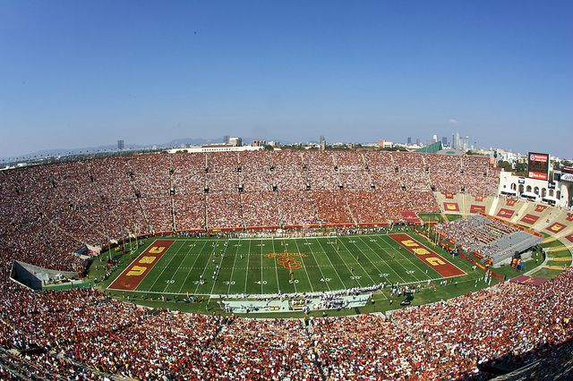 Los Angeles Memorial Coliseum University Of Southern California Usc Trojans Football Usc Trojans