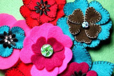 Beadscrumptious Blog Post : Felt Flower Brooches.  www.beadscrumptious.co.uk
