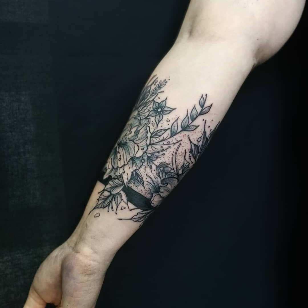 Unterarm tribal tattoo
