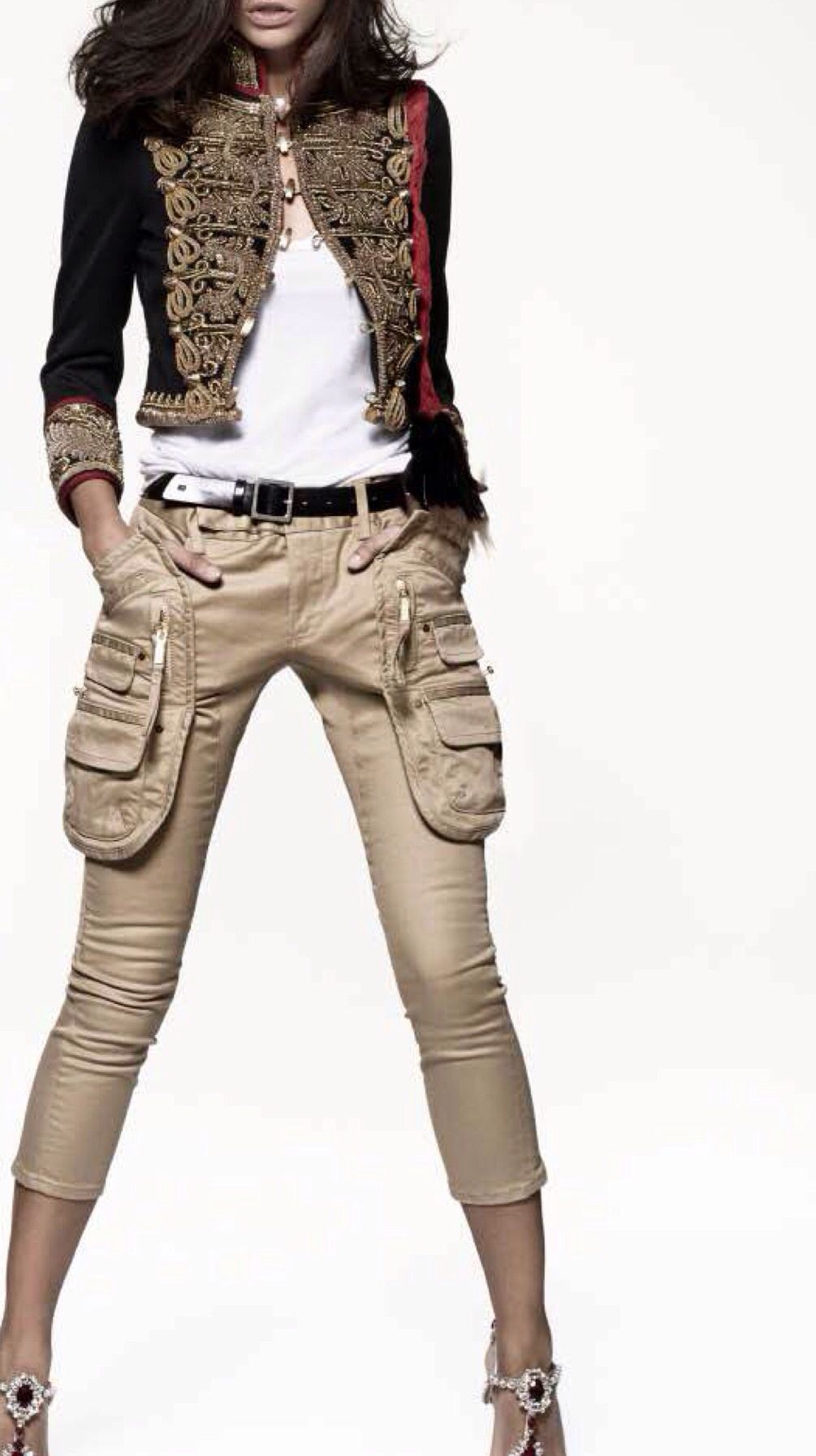 dsquared2 chaqueta militar pantal n cargo beige zapatos joya telva chaquetas militares. Black Bedroom Furniture Sets. Home Design Ideas