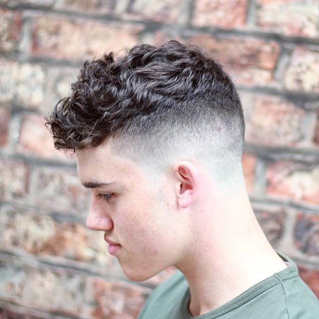 75 Beste Manner Frisuren Seiten Kurz Manner Haarschnitt Kurz Kurz Geschnittene Frisuren Frisuren Manner Locken