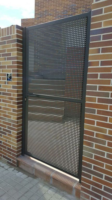 Puerta exterior chapa perforada ms pue370 puertas - Puertas chapa exterior ...