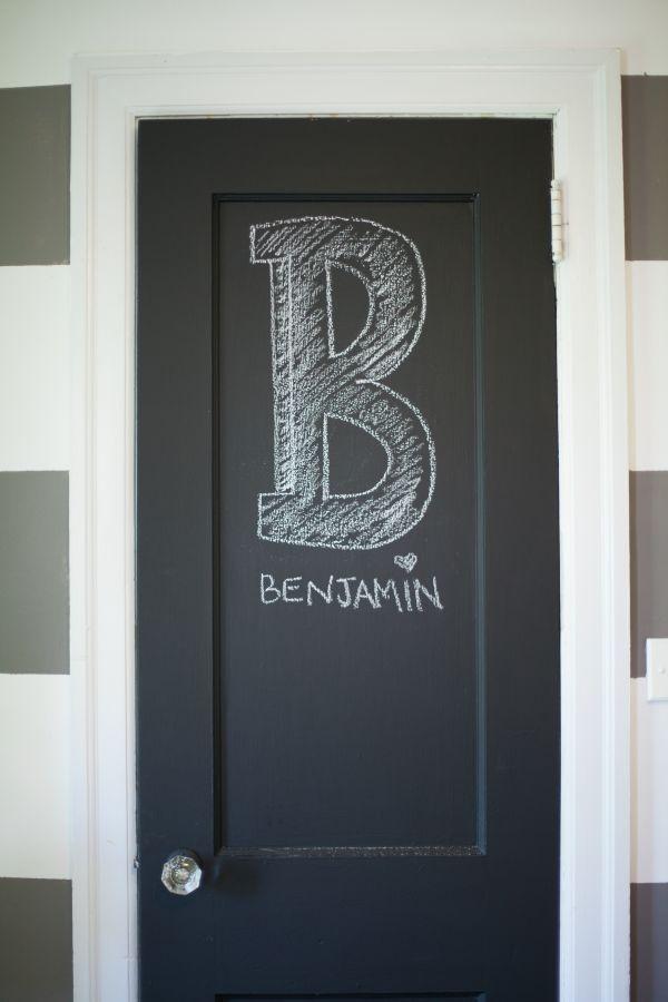 la porte personnalisée avec la peinture ardoise - mommo design KIDS