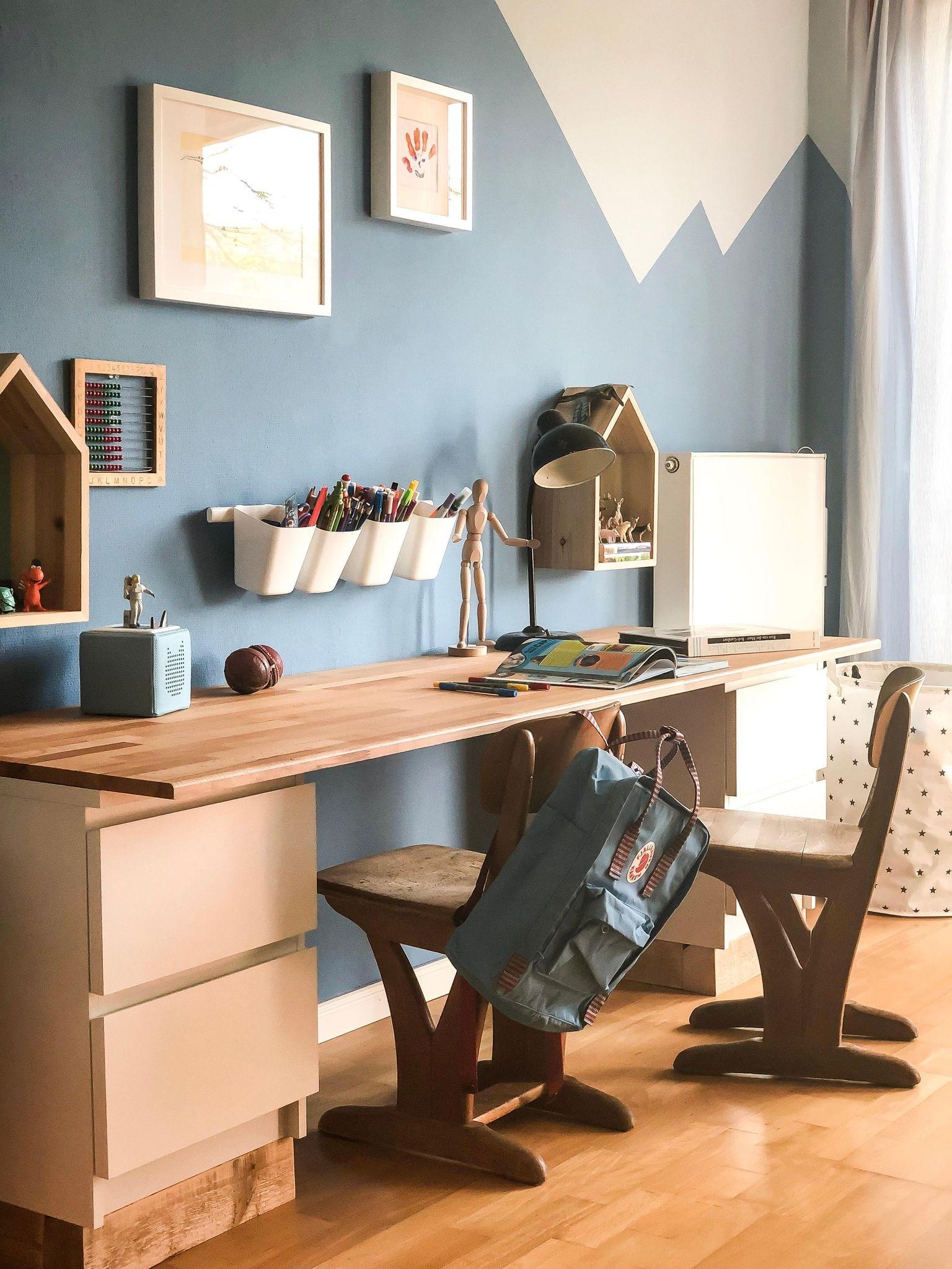 In Unserem Ikea Hack Zeigen Wir Euch Wie Ihr Einen Praktischen Ikea Hocker Kindergerecht Verschoner Kinder Zimmer Kinder Schreibtisch Ikea Schreibtisch Kinder