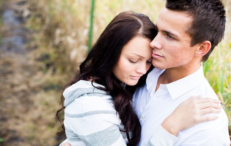 Wedding Gifts For Young Couples: Professional Teenage Couple Photography