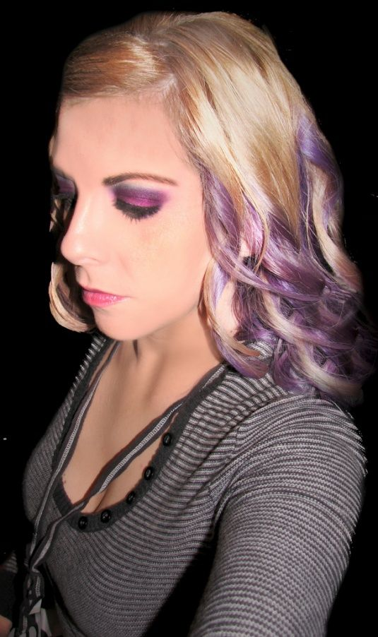 Purple streaks - so cute for gameday! I want to do it in this style, but in a darker, more vivid shade. :)