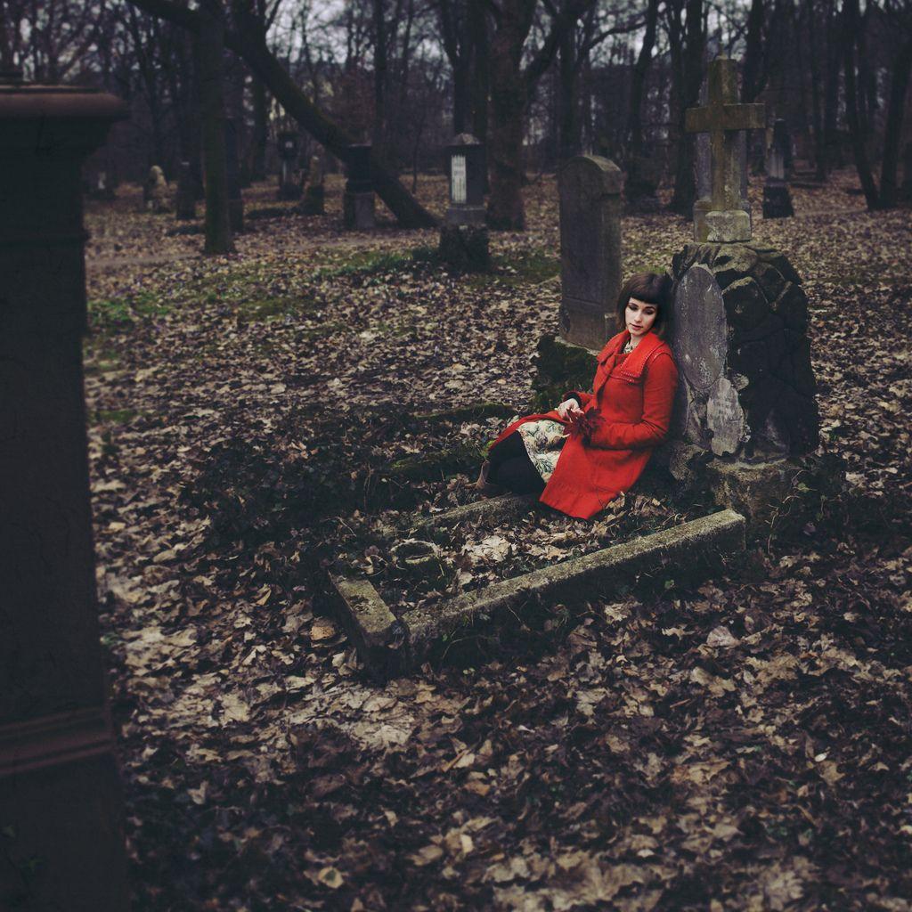 Lost In Her Own World # Rangement Tele Et Sono