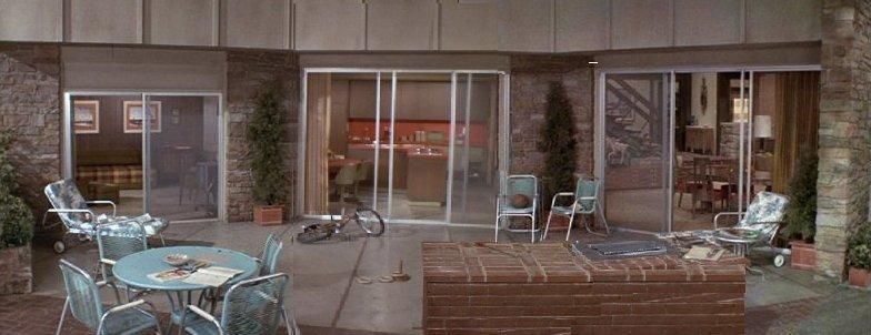 Wonderful Patio/out Back Of The Bradyu0027s House ~ The Brady Bunch ~ Via 10 Greatest  Patio Sets In Television History Part 27