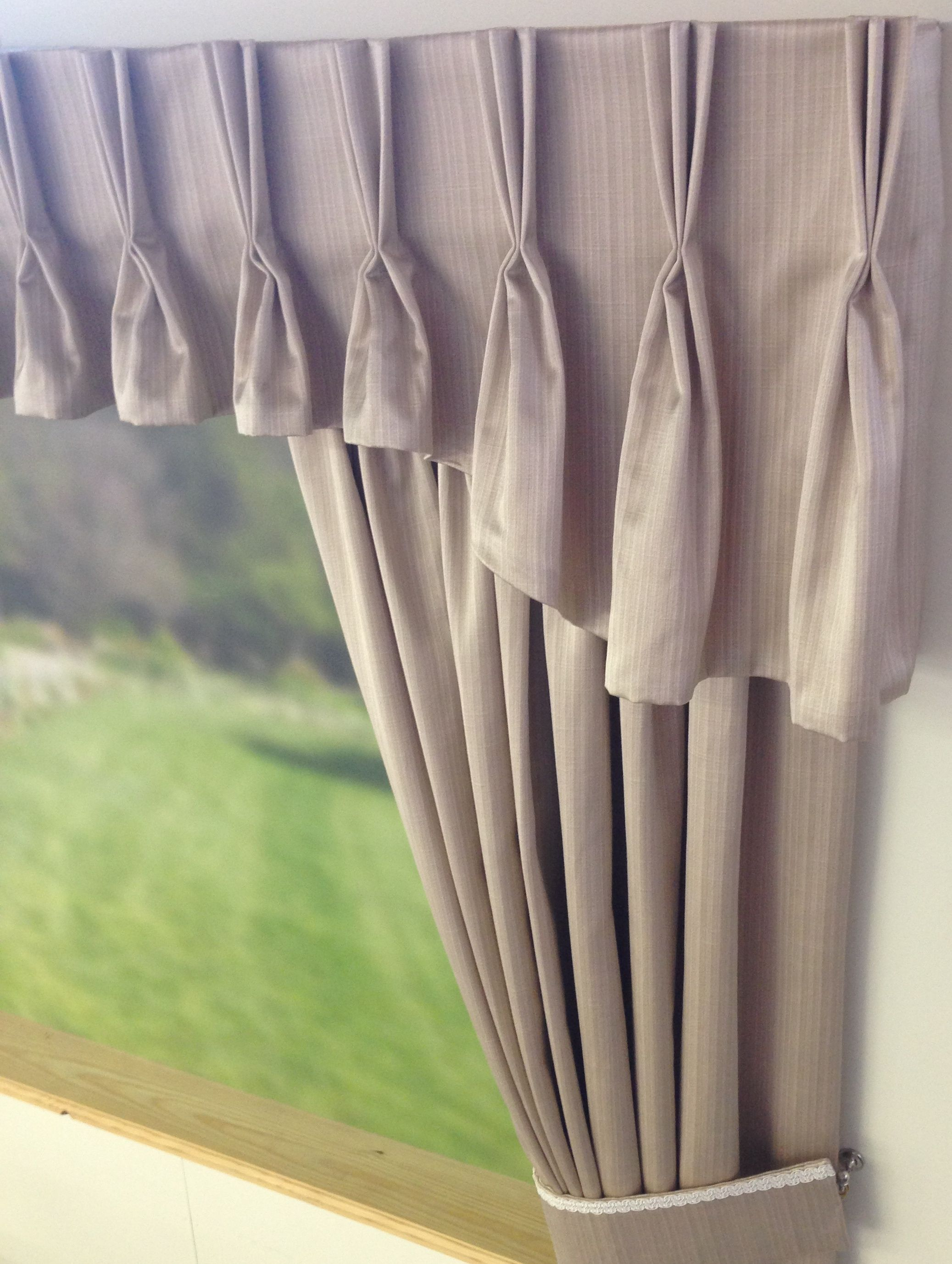 Shaped Pinch Pleat Curtain Valance