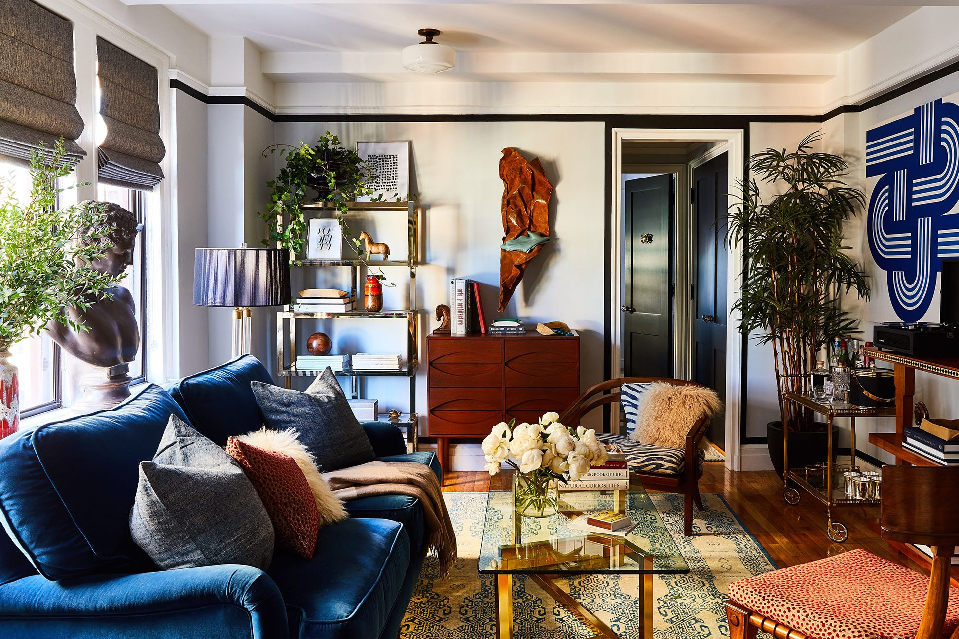 This Greenwich Village 495 Square Foot Apartment Is Filled With Small Space Inspiration Minimalist Living Room Decor Small Apartment Decorating Living Room Minimalist Living Room
