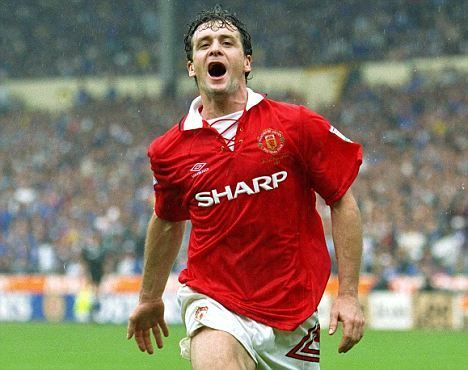 Mark Hughes Manchester United These Were The Days I Supported United As A Little B Manchester United Legends Manchester United Players Manchester United Fans
