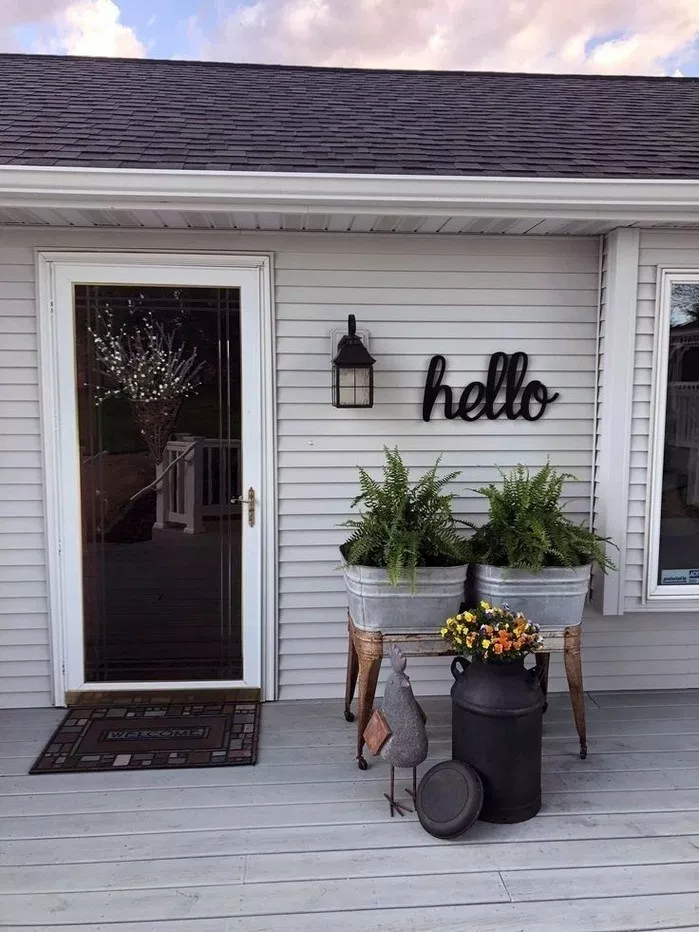 40 Best Modern Farmhouse Porch Decorating Ideas Easy To Managed Texasls Org Modernfarmh Front Porch Decorating Small Porch Decorating Exterior Door Designs