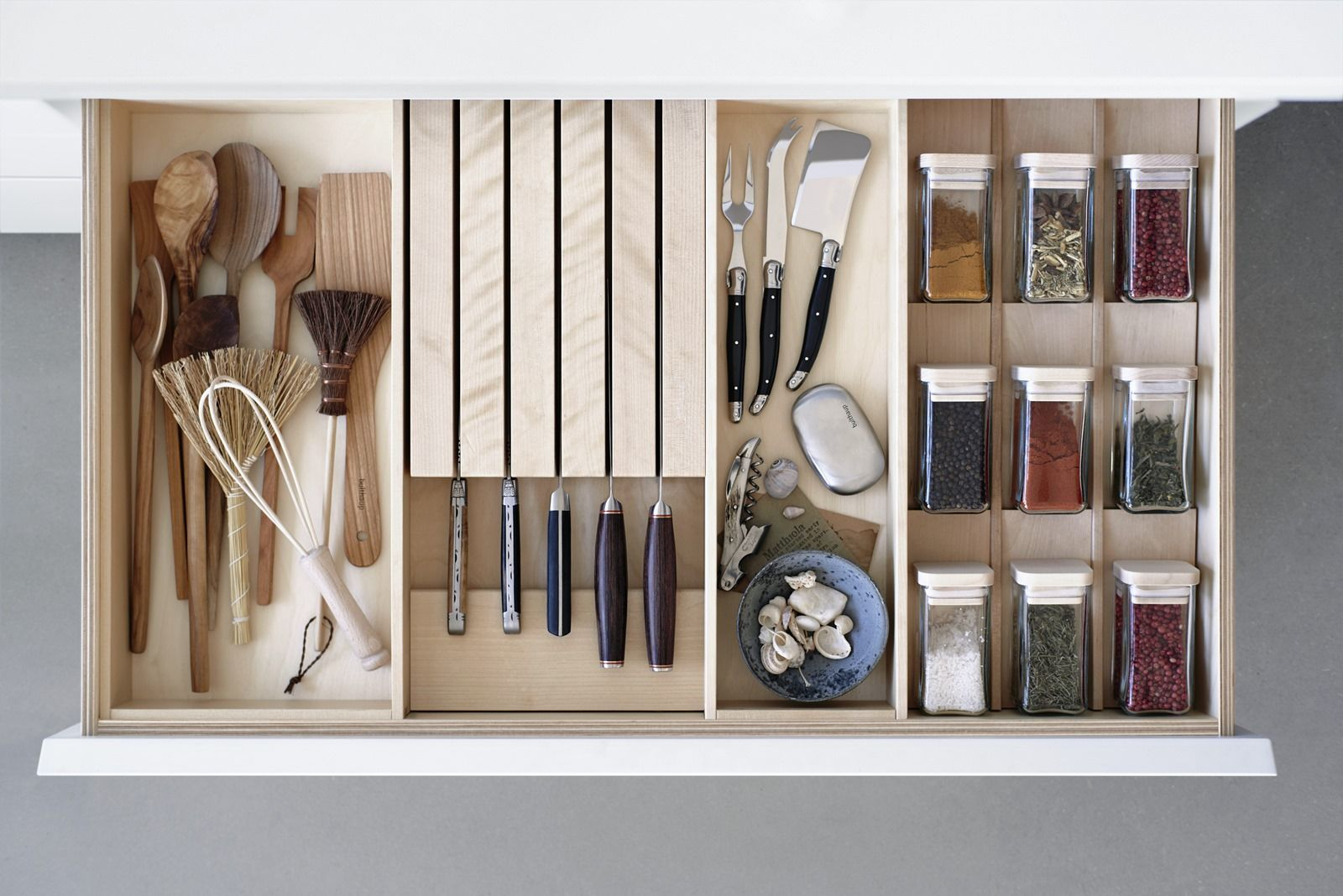 With wooden boxes and inserts for knives and spice jars, planning ...