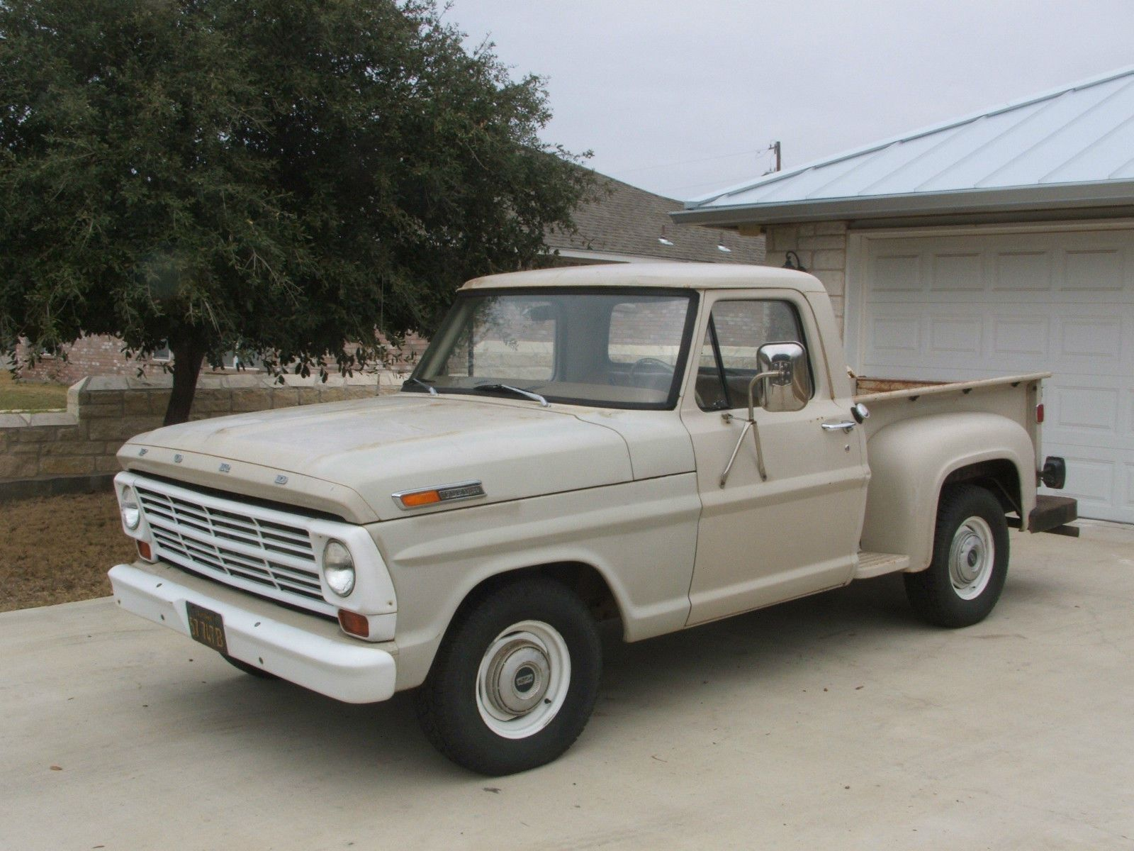 I am currently fixing up a 1967 Ford F100 Stepside just like this one. I  want to finish fixing it and getting it inspected before i get my driver's  license.