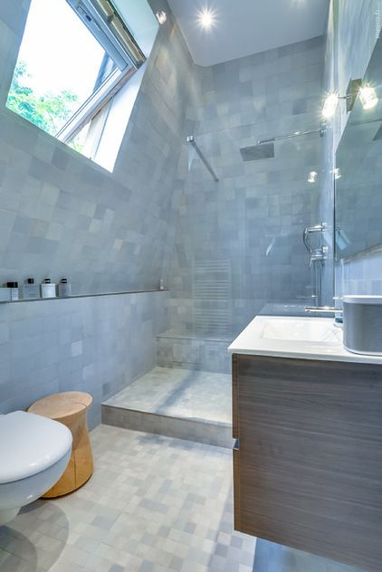 Contemporain Salle de Bain by AGV Architecte Small House style