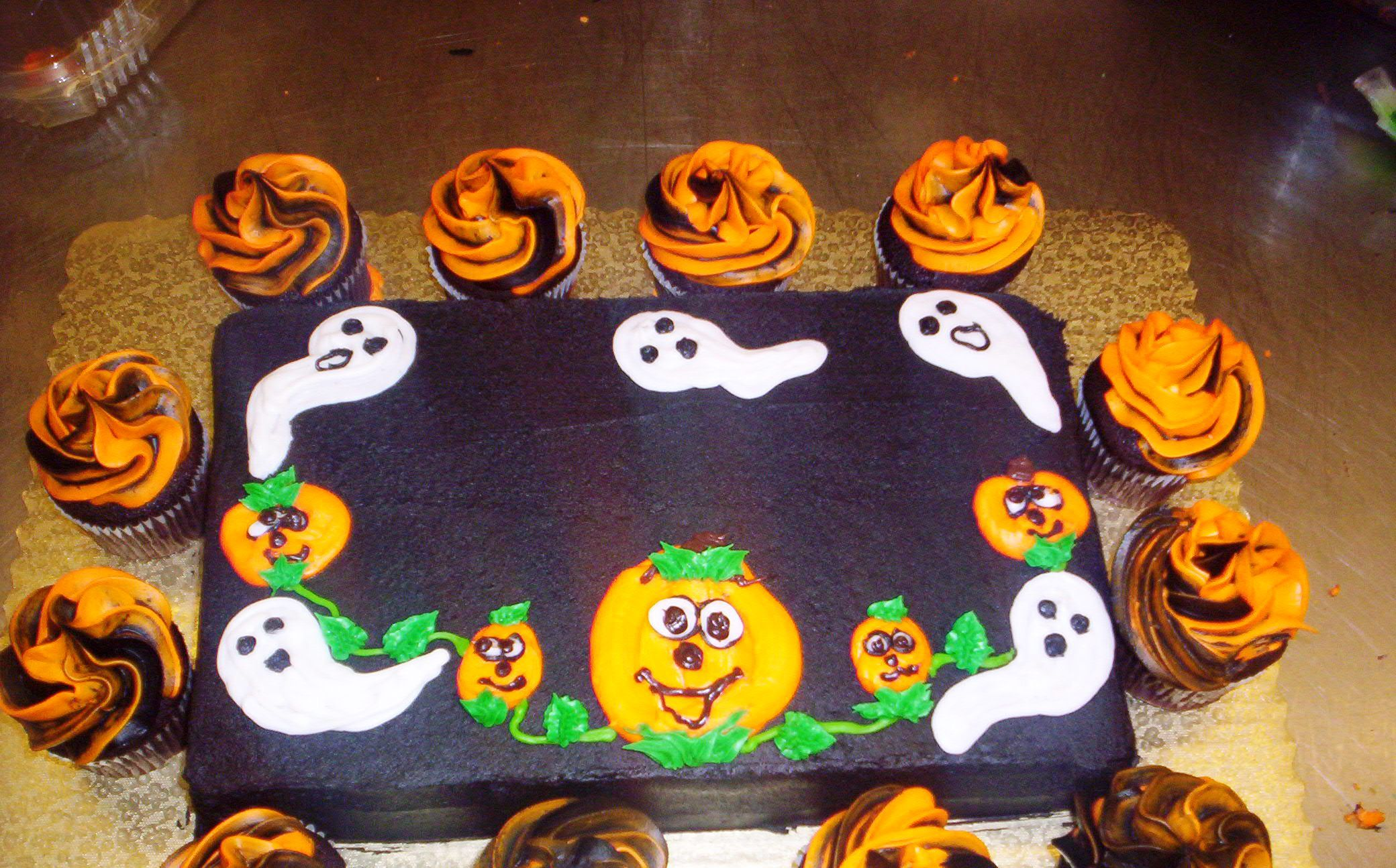 halloween cakes pictures Halloween Wallpapers Pinterest Happy - Halloween Cake Decorating Ideas